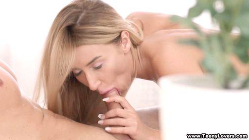 Превью фото Азартная девушка сказала трахнуть ее в очко