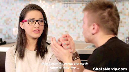 Превью фото Российская студентка потрахалась с парнем ради денег